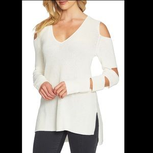 1.State Cutout V-Neck Top